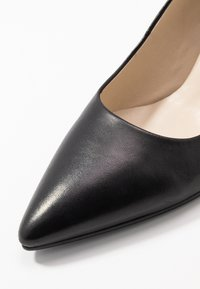 Vagabond - PAULINE - Classic heels - black - 2