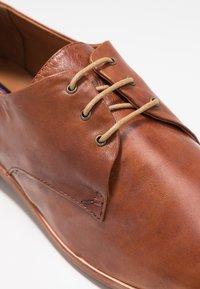 Everybody - Zapatos de vestir - terra - 2