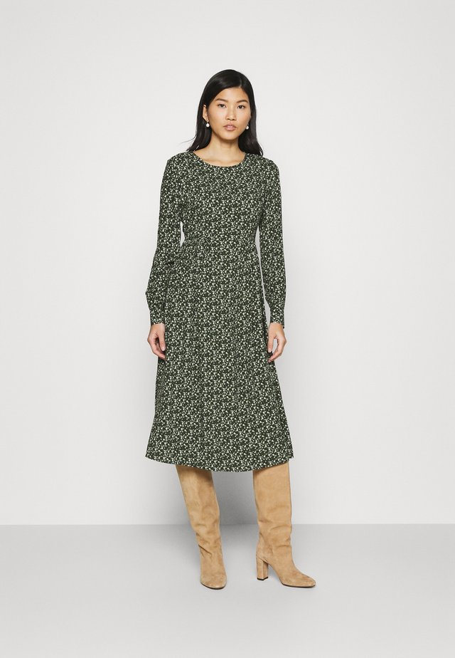 Day dress - emerald green