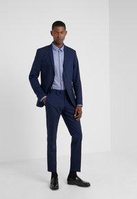 Tiger of Sweden - GORDON - Pantalon de costume - midnight blue - 1