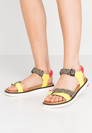 STILTIA - Sandalias - medium yellow