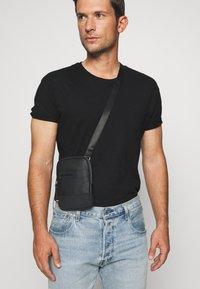 Strellson - ROYAL OAK SHOULDERBAG - Across body bag - black - 1