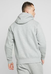 Nike Sportswear - CLUB HOODIE - Bluza rozpinana - dark grey heather/matte silver/white