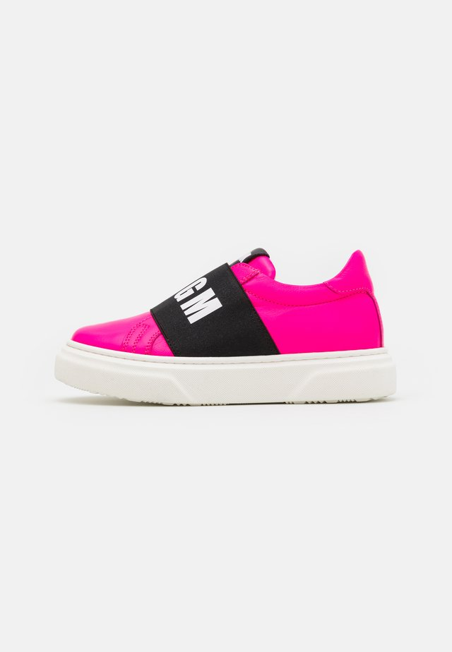 UNISEX - Sneakers laag - neon pink