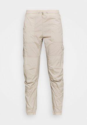 HIT PANT - Trousers - celsian beige
