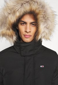 Tommy Jeans - TECH BOMBER UNISEX - Giacca invernale - black - 6