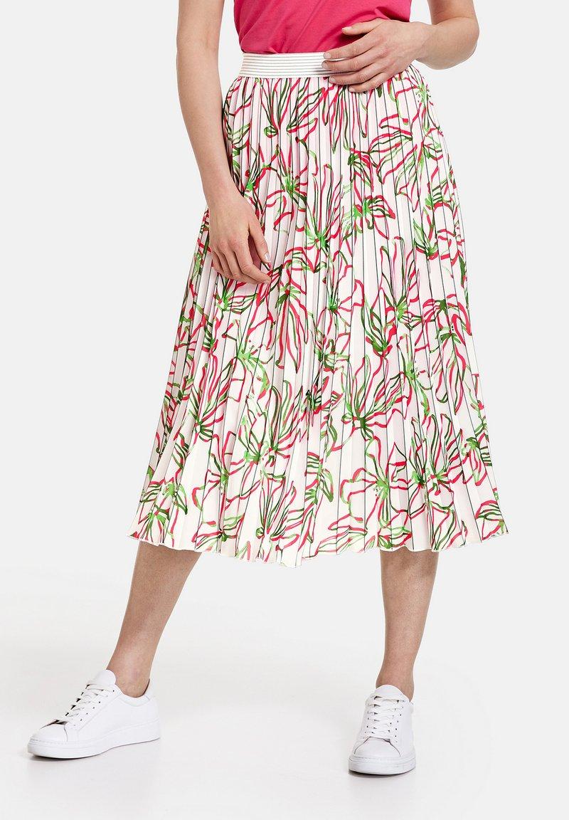 Gerry Weber - MIT FLORALEM - A-line skirt - weiß azalea palm druck