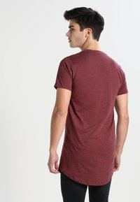 Redefined Rebel - JAX - T-shirt basique - bordeaux - 2