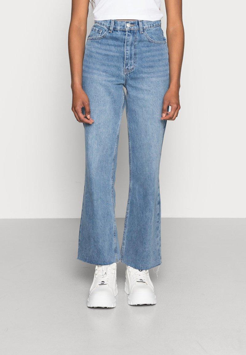 EDITED - ESRA - Straight leg jeans - light blue stone wash