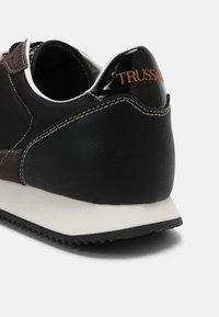 Trussardi - ABAX PRINT MIX - Sneakers - black - 4