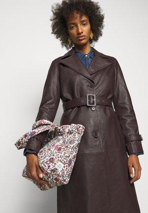 CLAIRE - Handbag - white