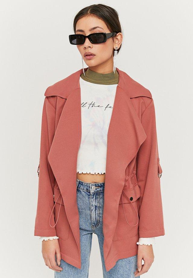 Leichte Jacke - pink