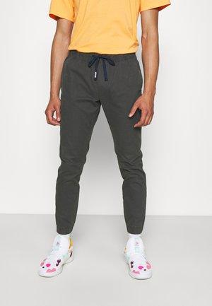 SCANTON DOBBY  - Spodnie materiałowe - dark ash