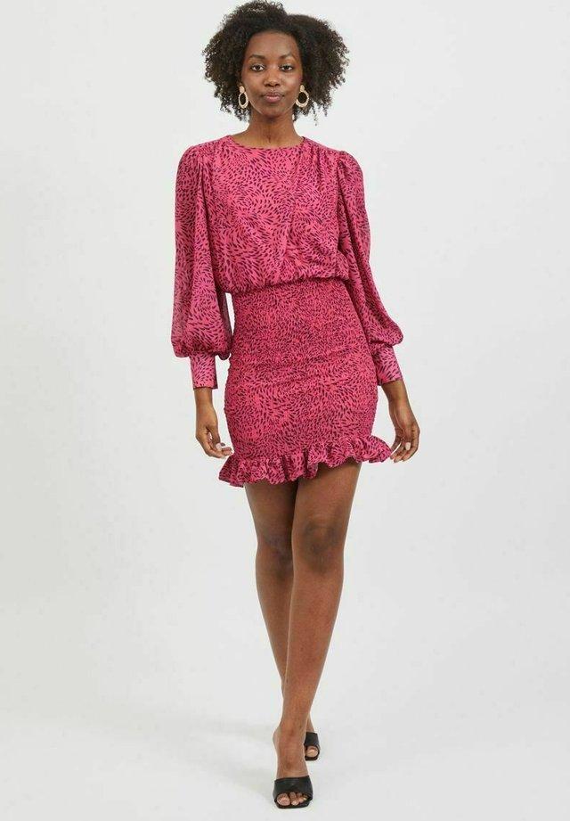 Sukienka letnia - fandango pink