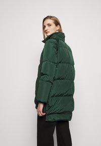 MAX&Co. - MUGHETTO - Kabát zprachového peří - green - 3