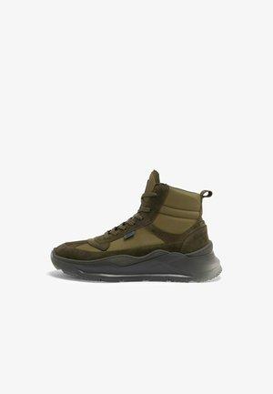 VLAD - Sneakersy wysokie - army