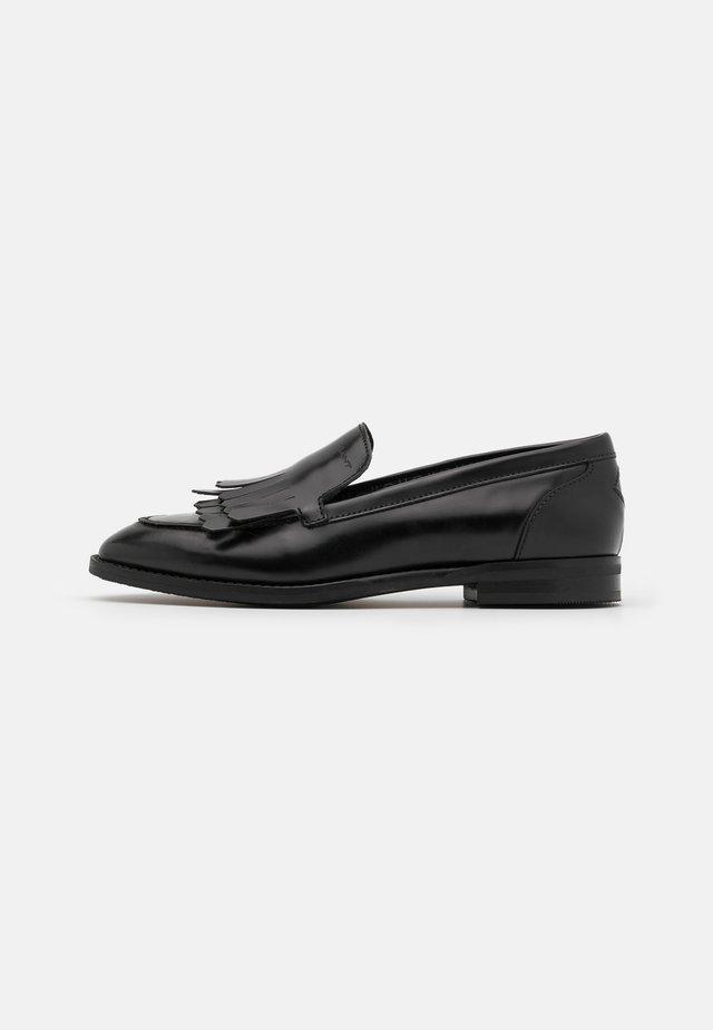 BEETON - Scarpe senza lacci - black