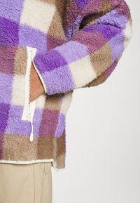 Monki - GAIA - Summer jacket - purple/beige - 5