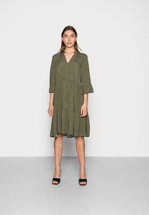 EDA  - Jumper dress - khaki