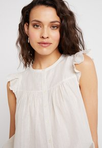 Madewell - BUTTON DOWN FLUTTER SLEEVE - Blouse - off-white - 4
