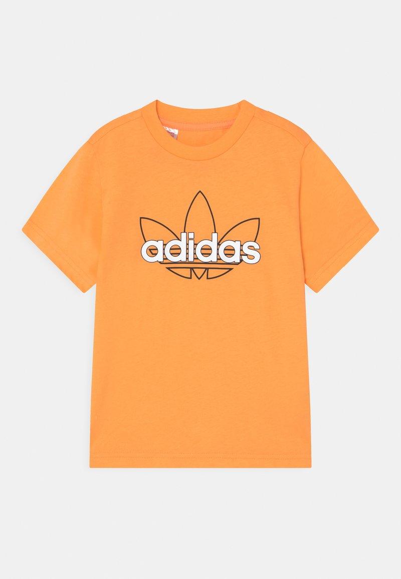 adidas Originals - OUTLINE TREFOIL UNISEX - Printtipaita - hazy orange