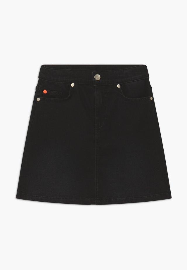 Falda acampanada - black denim