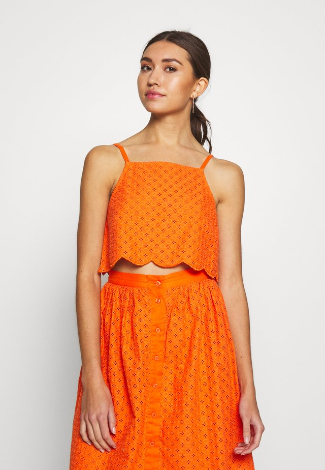 BRODERIE ANGLAIS CROP  - Blouse - bright orange