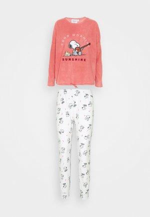 Pyjama set - dark peach