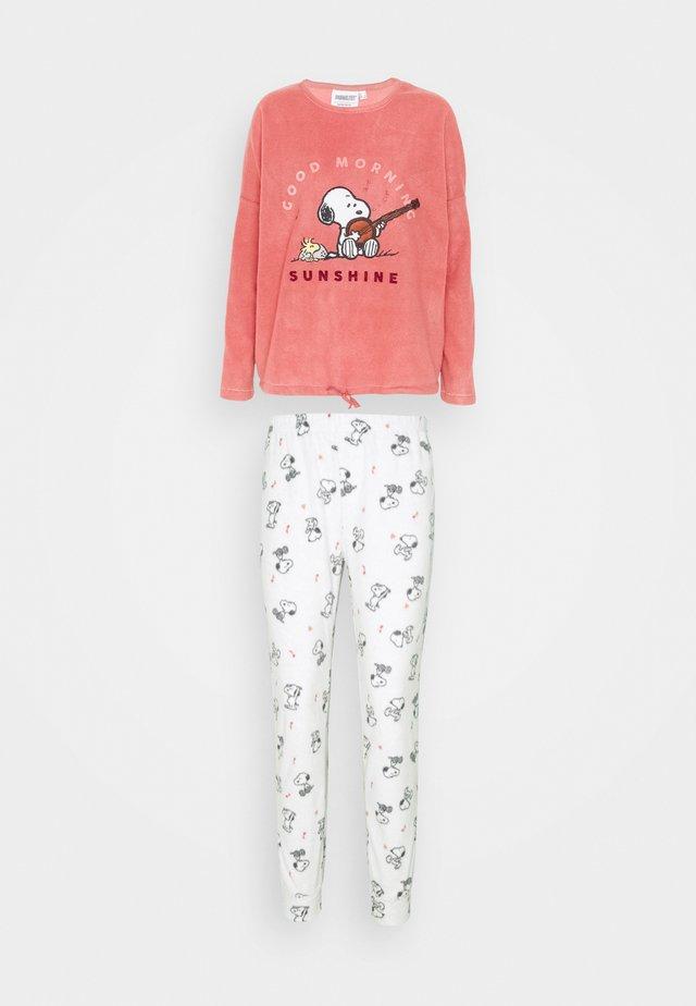 Pijama - dark peach