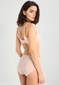 Chantelle - MAGNIFIQUE SEXY - Underwired bra - beige - 2