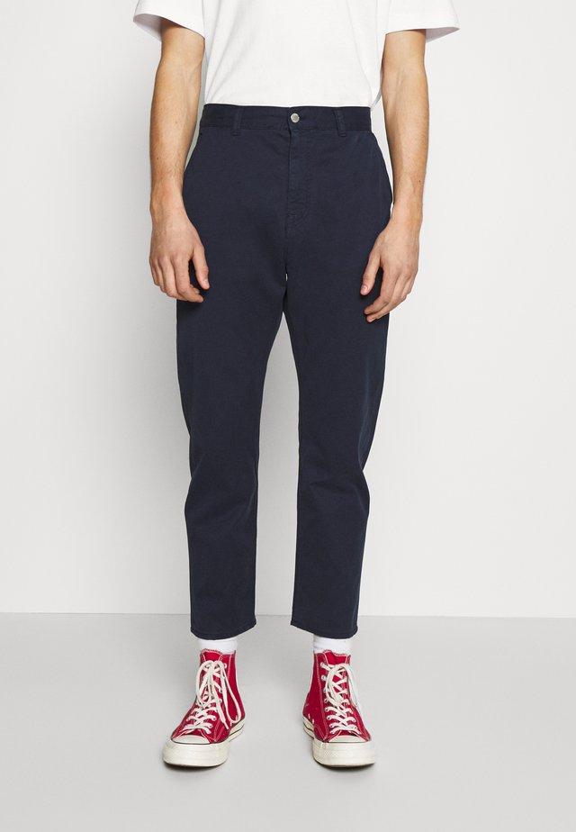UNIVERSE PANT CROPPED - Kalhoty - navy blazer