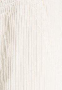 Redefined Rebel - JAZZ PANTS - Spodnie materiałowe - pristine - 5