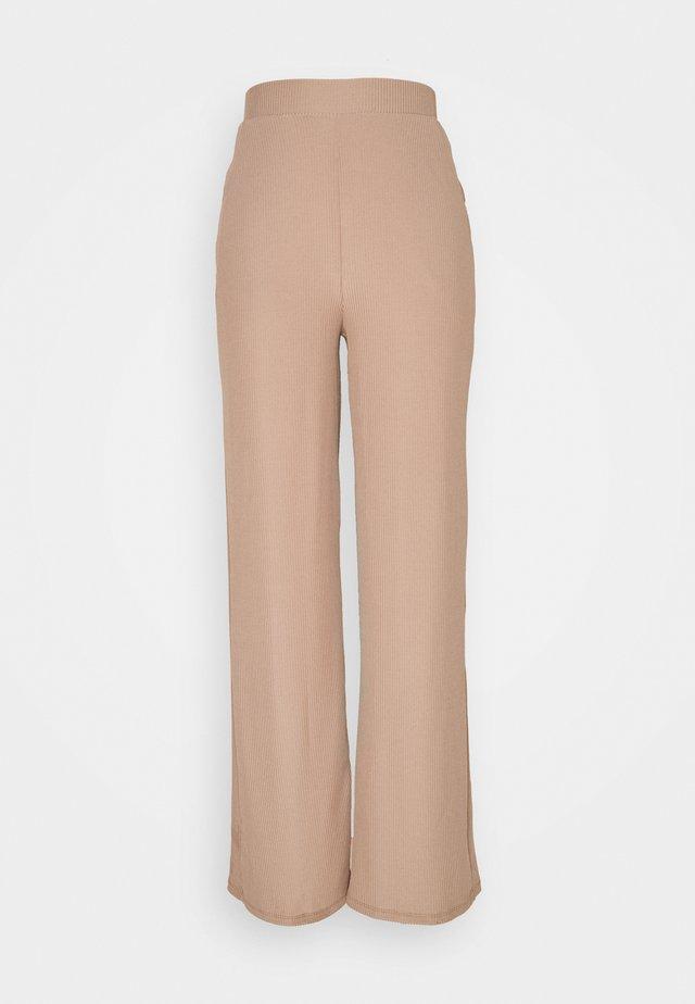 WIDE POCKET PANTS - Kangashousut - beige