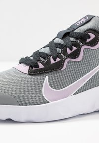 Nike Sportswear - EXPLORE STRADA - Sneakers basse - particle grey/iced lilac/off noir/white - 2