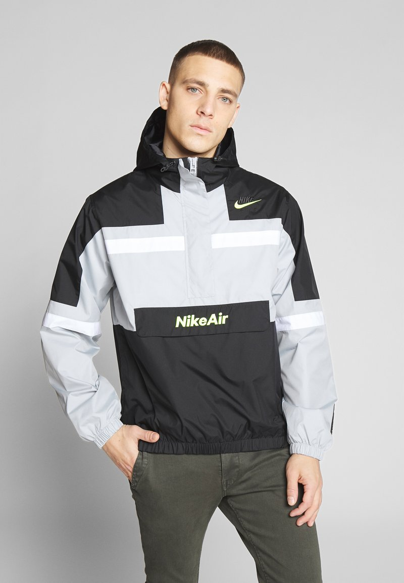 Nike Sportswear - M NSW NIKE AIR JKT WVN - Větrovka - smoke grey/black/white