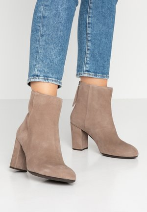 OSBORN - High heeled ankle boots - taupe