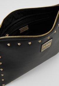 Versace Jeans Couture - Psaníčko - nero - 4
