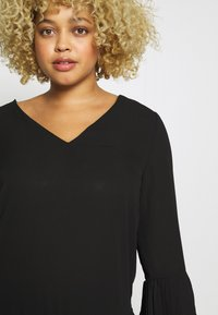 CAPSULE by Simply Be - V-NECK FRILL PLEAT BLOUSE - Blouse - black - 5