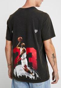 Jordan - TEE AIR JORDAN WASH - Camiseta estampada - black - 5