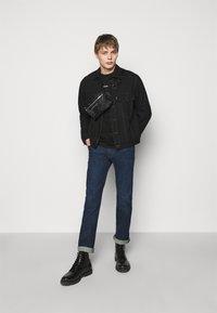Emporio Armani - EXCLUSIVE  - T-shirt basic - black - 1