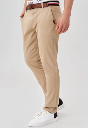 CHERRY - Pantalones chinos - cornstalk
