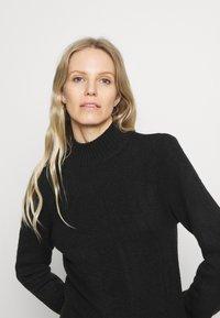 Anna Field - BASIC-PERKIN NECK - Strikkegenser - black - 4