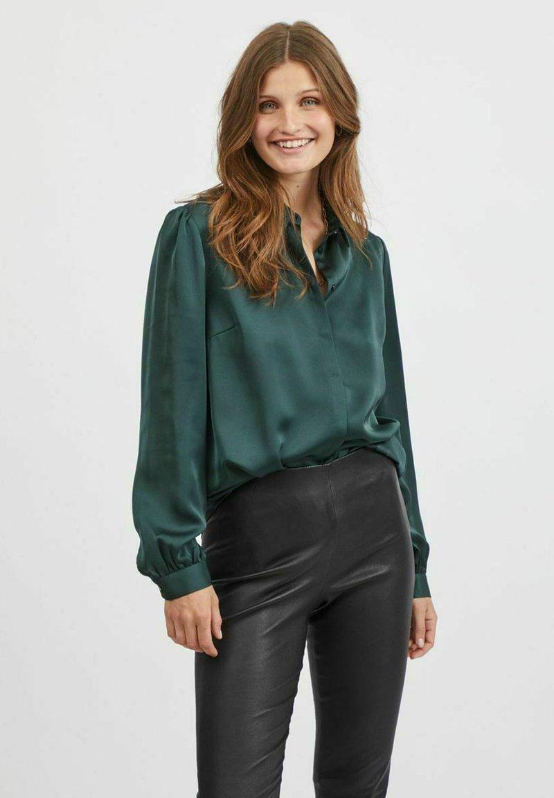 Vila - VIELLETTE - Button-down blouse - darkest spruce