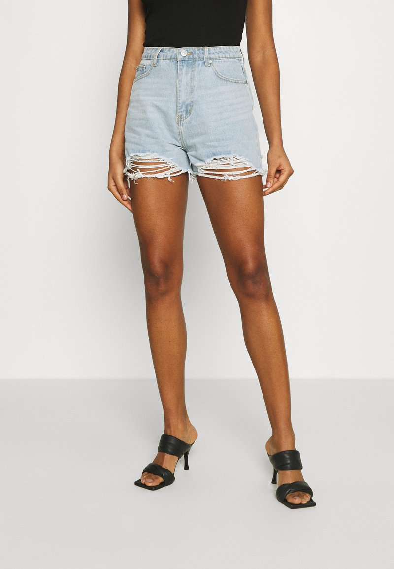 Missguided - EXTREME FRAY RIOT - Shorts di jeans - light blue