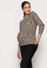 Pieces Maternity - PCMPOLLY - Jumper - warm taupe - 3
