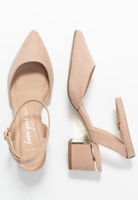 New Look Wide Fit - WIDE FIT  - Klassiske pumps - oatmeal - 3
