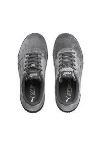 Puma - CARINA  - Sneakers laag - castlerock metallic silver - 3