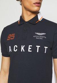 Hackett Aston Martin Racing - AMR MULTI SS - Koszulka polo - navy/white - 4