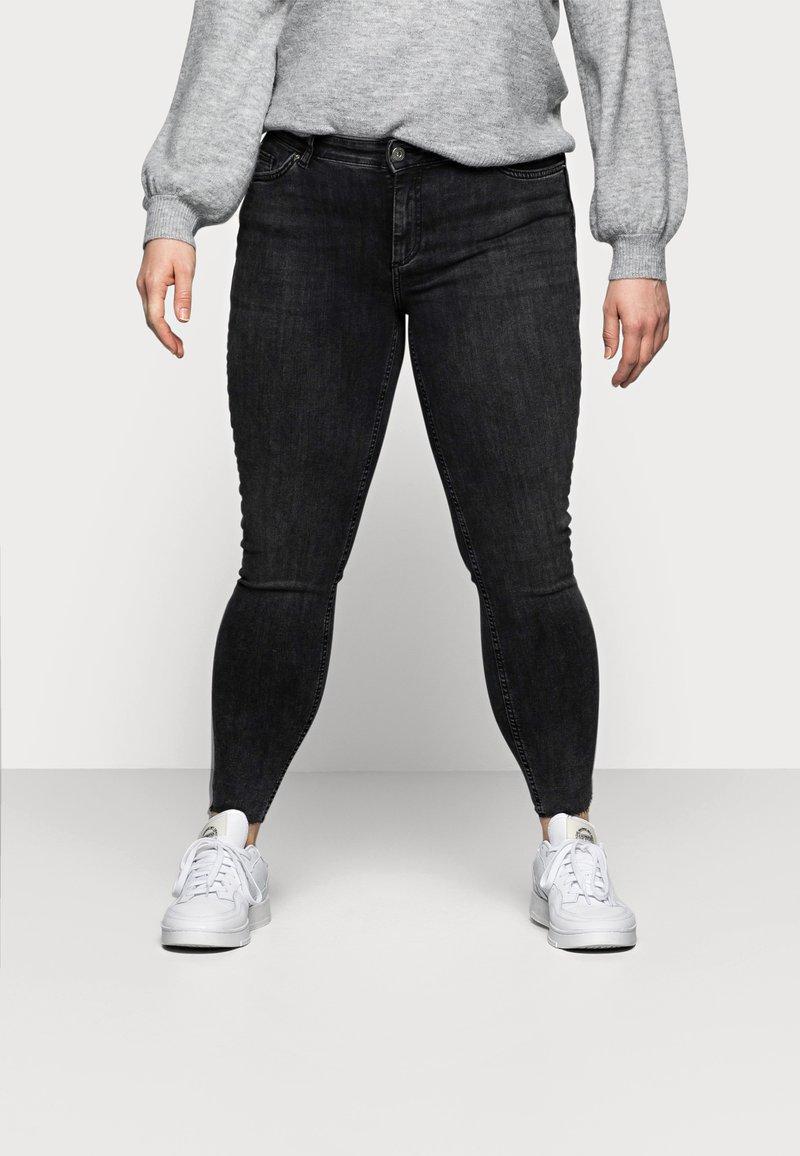 Pieces Curve - PCDELLY - Jeans Skinny Fit - dark grey denim