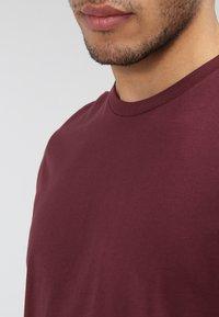 YOURTURN - Basic T-shirt - bordeaux - 3